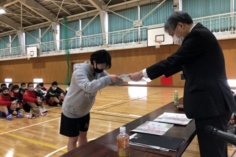 レスリング部 勝つ!