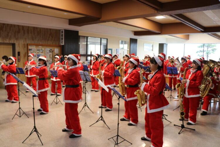 吹奏楽部クリスマスミニコンサート他